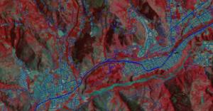 Fig 2: Aster Terra image 30x30 metros Feb., 2004. La imagen se procesó a través de la ecualización del histograma para alcazar una mejor distribucion de los colores. Rojo obscuro son coniferas o caducifolias , Azul es el casco urbano o suelo, gris son pastos